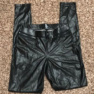 Hue faux leather jegging